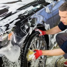 Auto verkaufen - Alufelgen schonend putzen